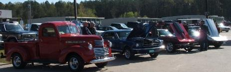 lots-of-cars-for-the-car-show