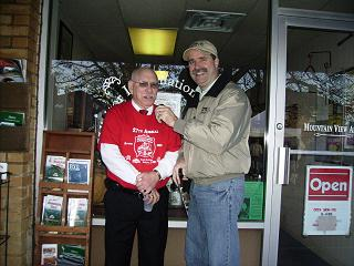 Al Jones tThe Von Dean Jeffery Volunteer of the Year and Bob Connell