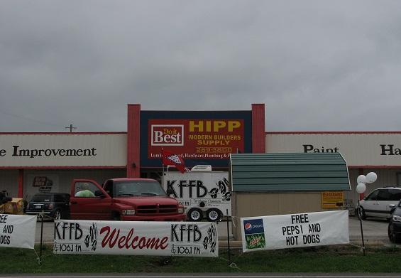 KFFB 106.1 fm on Location at Hipp Modern Builders