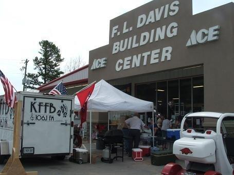 KFFB 106.1 on Location at FL Davis in Greers Ferry Aug 20