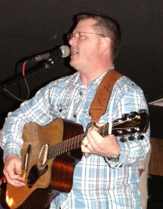 Congressman Rick Crawford performs at 2012 Ozark Gateway Region Banquet.