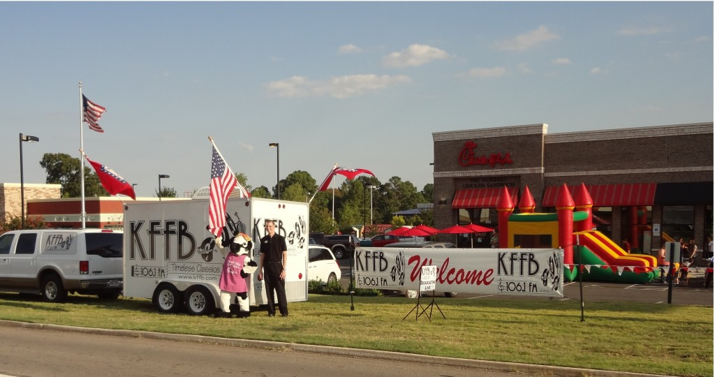 KFFB 106.1 on location at Chick Fil A in Searcy August 20, 2012