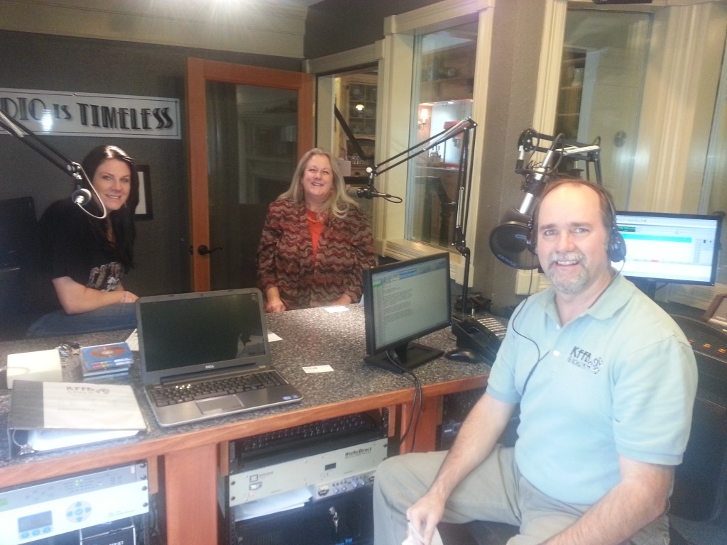 (left to right) Mindy Scales,  Bob Connell, and Debra Lance